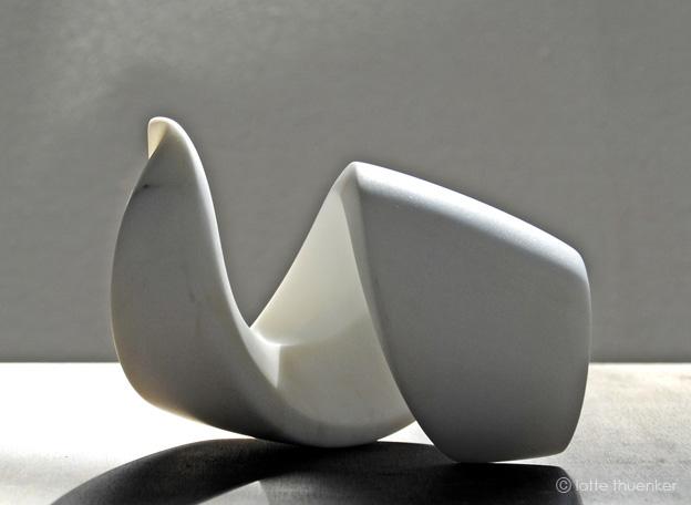 lotte thuenker blog bouclé 01, 2012 carrara-marmor, 11 x 12 x 20 cm